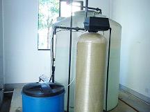 1T/H流量型软化水设备